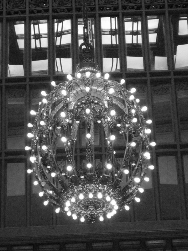 Chandelier in Grand Central Terminal, New York, USA